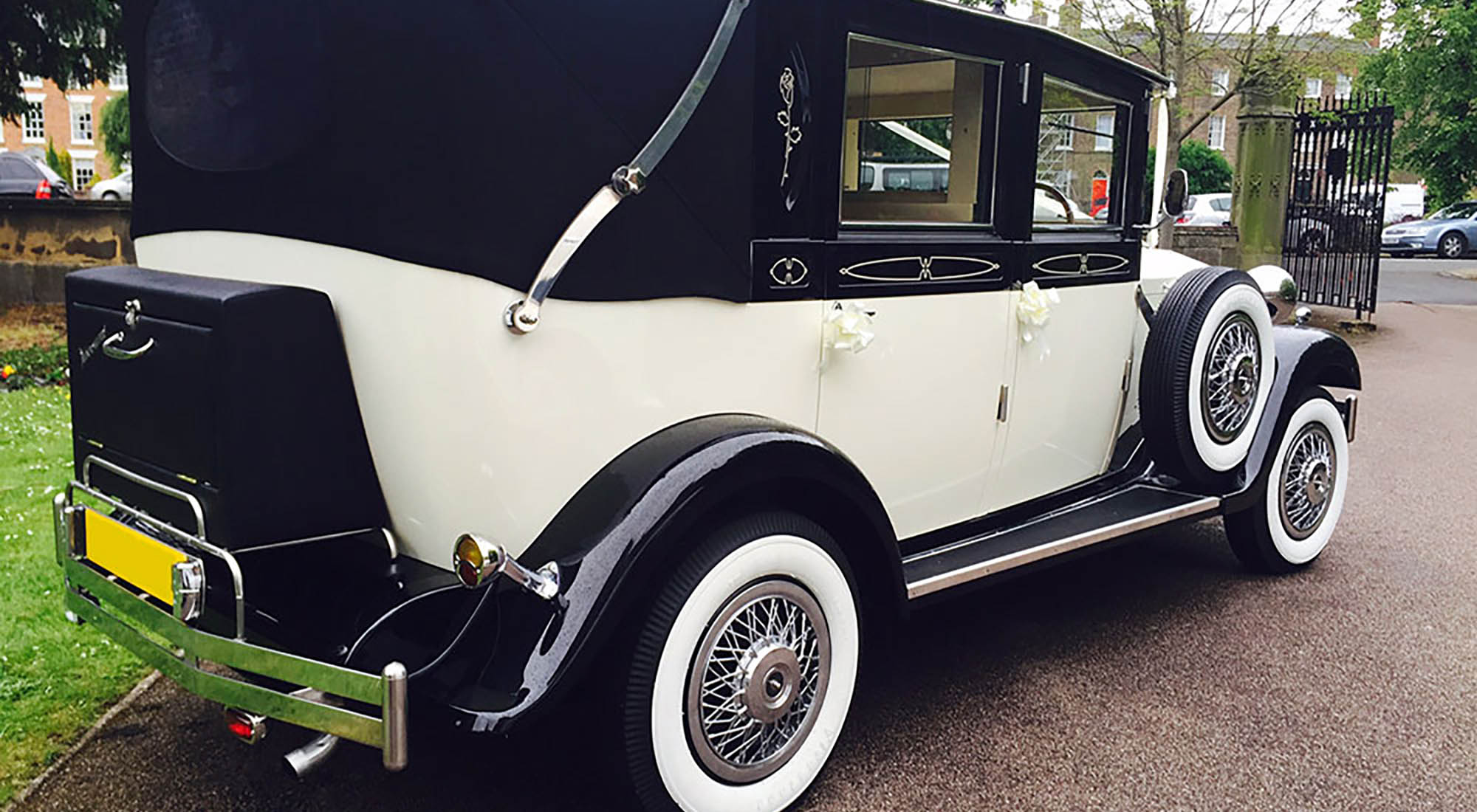 Viscount Landaulette Wedding Cars – True Luxury, Timeless Elegance""